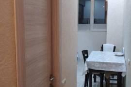Apartment for sale, Old building, Mukhiani