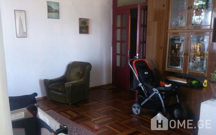 Продается квартира, Старое здание, Плато Нуцубидзе