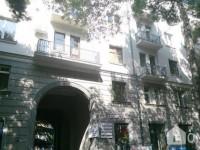 Аренда квартир посуточно, Старое здание, Чугурети