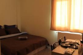 სასტუმრო, სასტუმრო დღიურად, თემქა