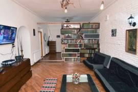 For Rent, Old building, Chugureti