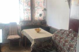 Apartment for sale, Old building, Districts of Vazha-Pshavela