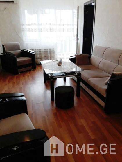 Daily Apartment Rent, Old building