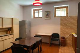 House For Rent, Manglisi