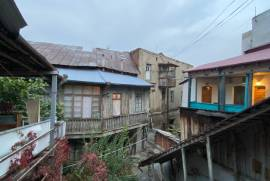 For Rent, Old building, Sololaki